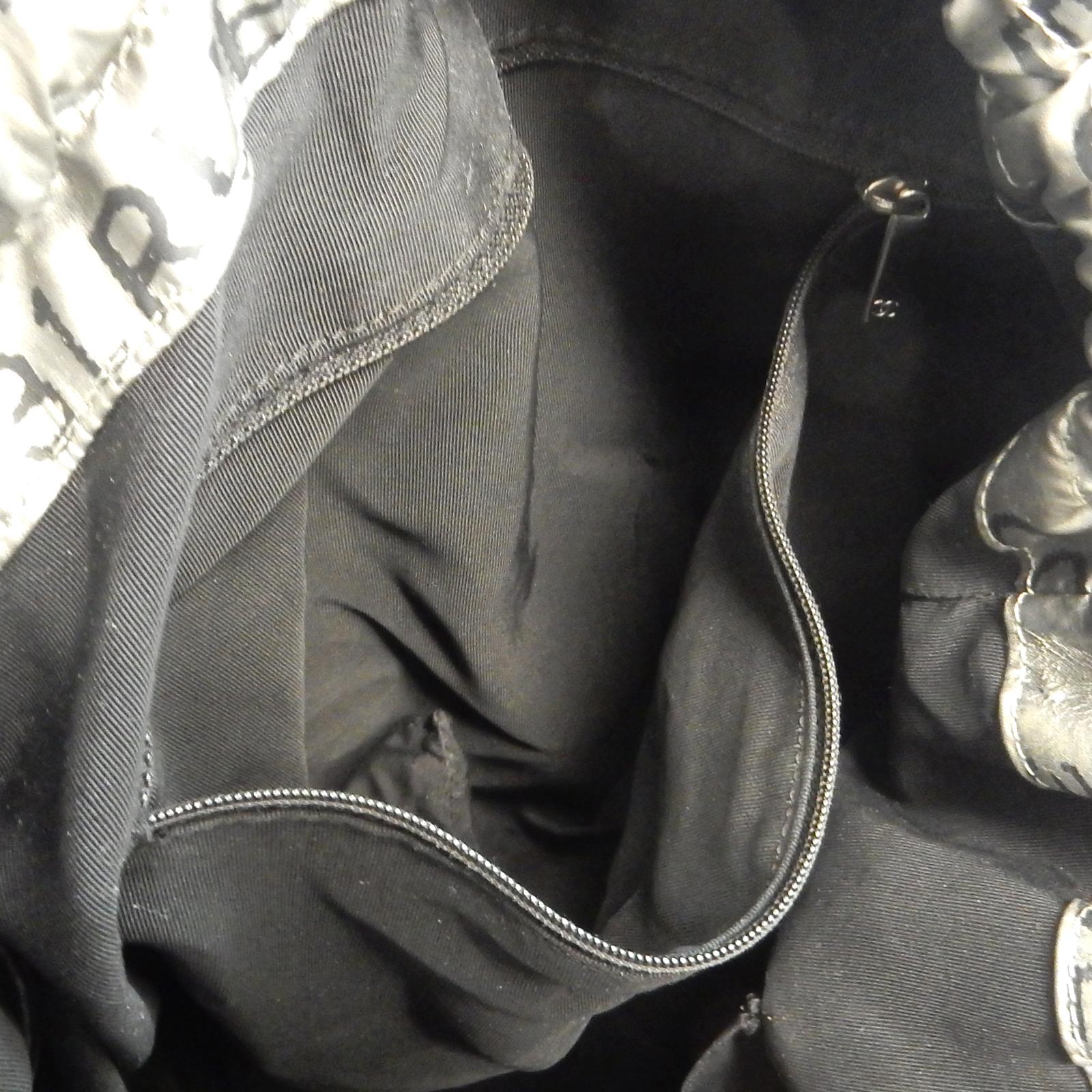 Rise-on CHANEL Unlimited Nylon Silver DRAWSTRING Tote bag Shoulder ... 9b498318ae